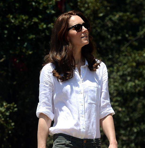 ارتدى كيت ميدلتون قميص الكتان الأبيض من جايجر لتسلق