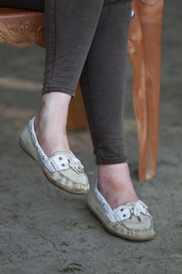 كيت غالبا ما ترتدي حذاء Sabago للزيارات نشطة