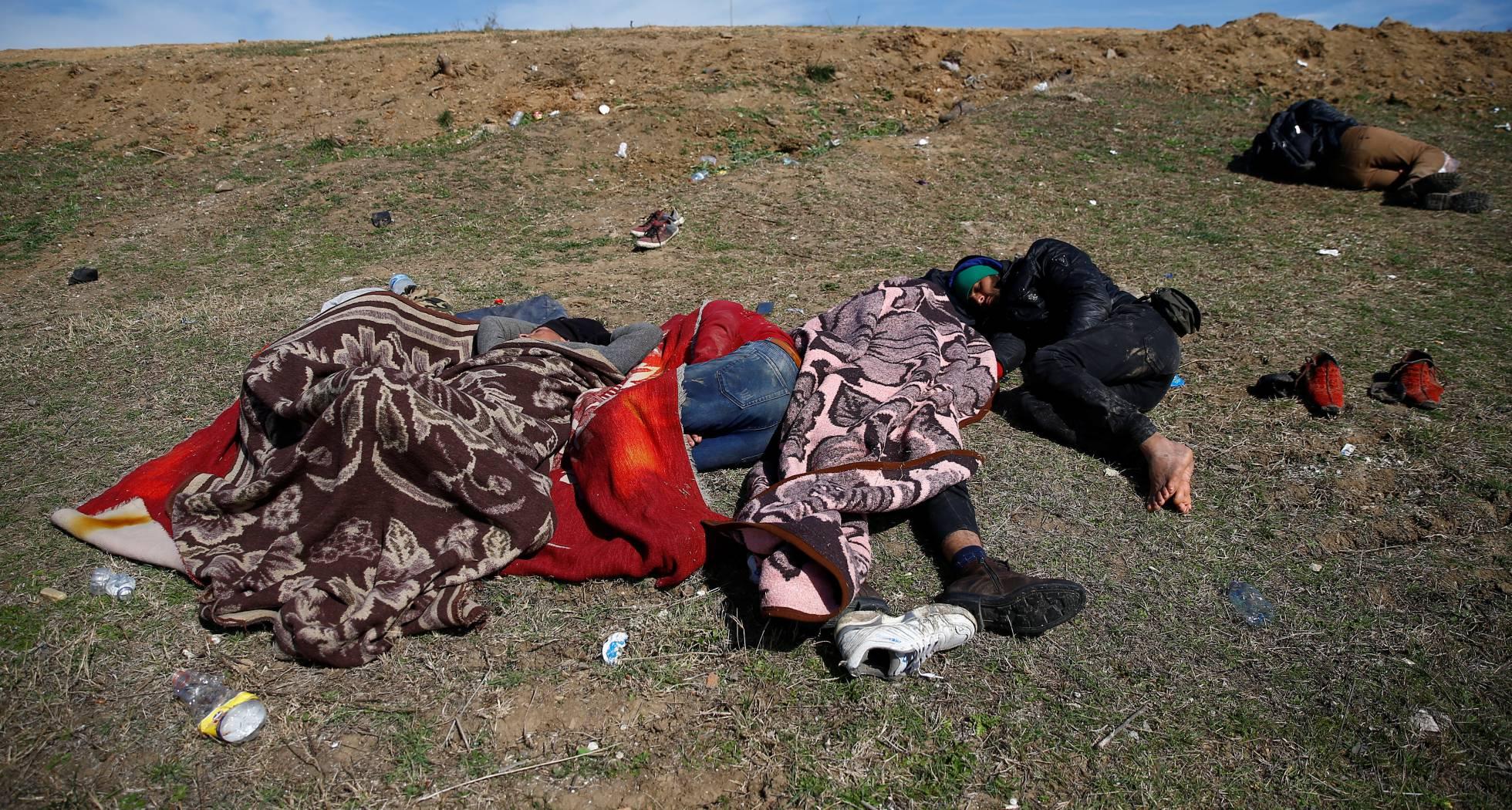 بالصور أزمة الهجرة بين تركيا واليونان