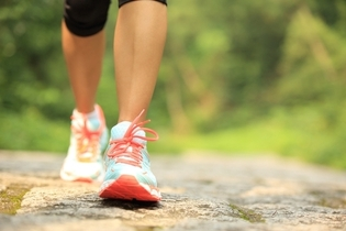 الجري أو المشي