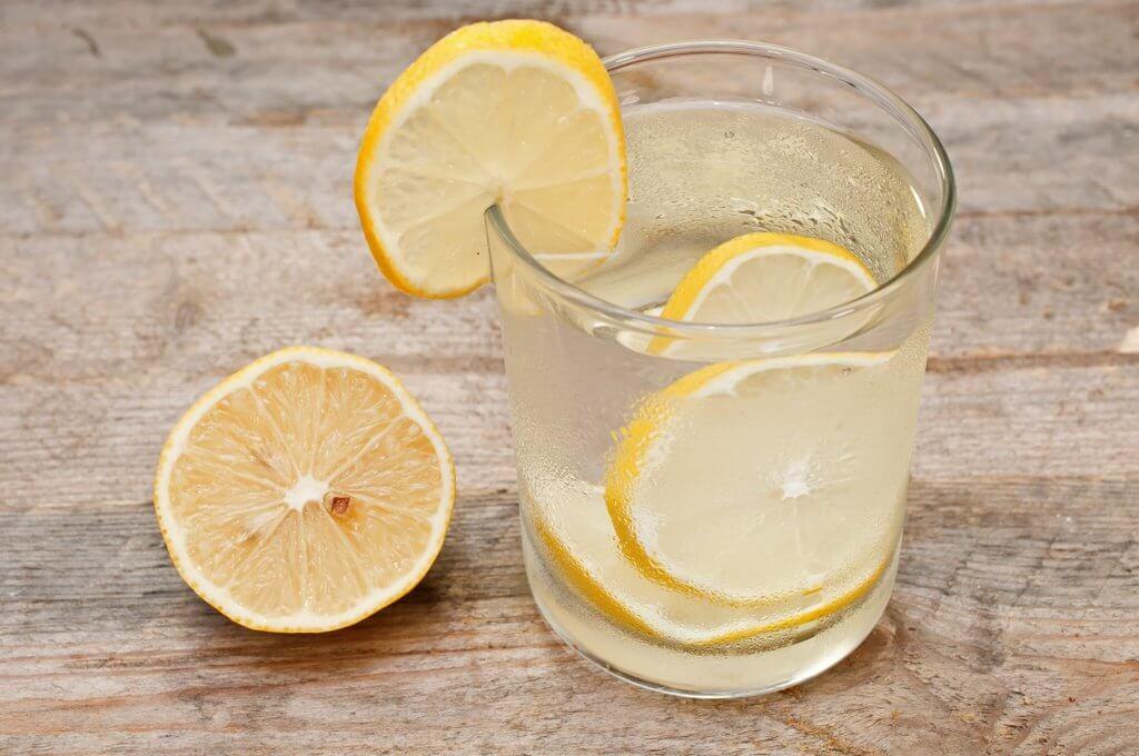 المياه الليمون