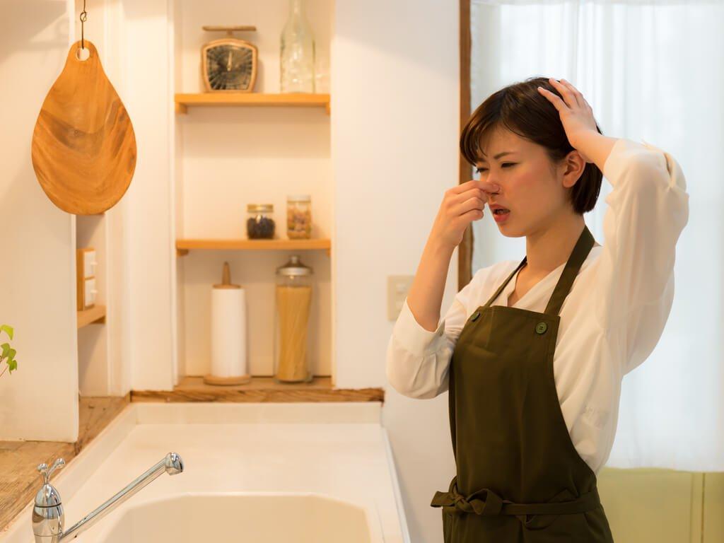 10 حيل للقضاء على الروائح الكريهة من المطبخ