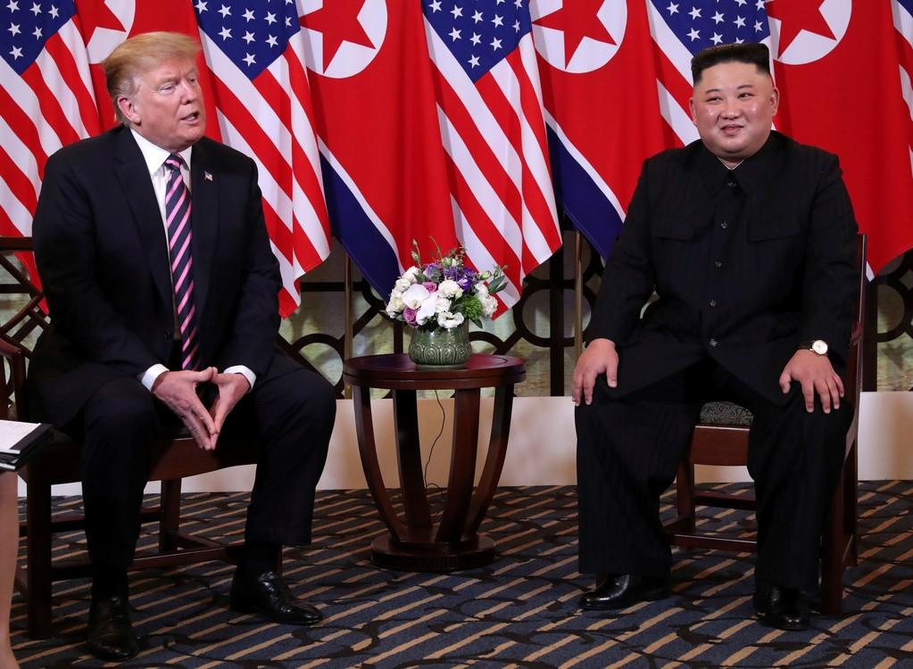 في القمة الثانية بين ترامب وكيم كان هناك ضحك وتطرف متبادل.  (رويترز / ليا ميليز)