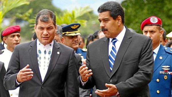 نيكولاس مادورو، مع رافائيل كوريا