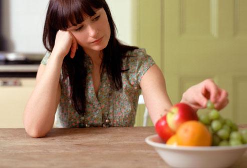 المرأة الشابة، إختيار، أثمر، من، bowl